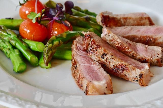 mengurangi konsumsi daging merah